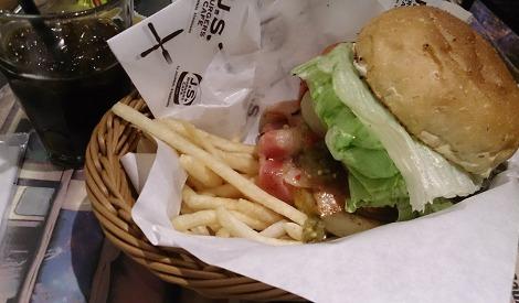 J.S.BURGERS CAFEのベーコンエッグバーガー