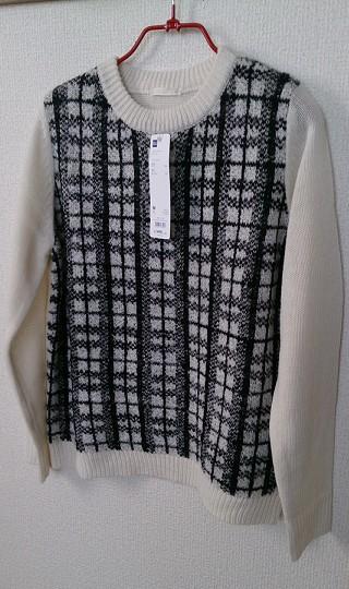 GUのジャカードセーター