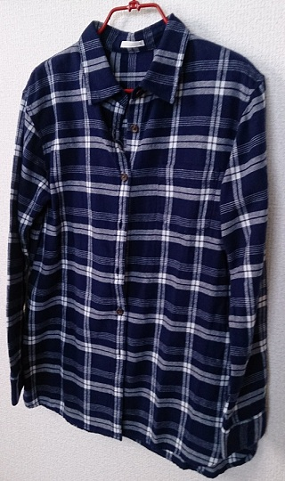 GUのネルチェックシャツ