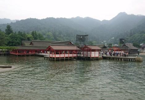 厳島神社の外観