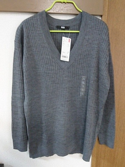 メリノブレンドリブVネックセーター