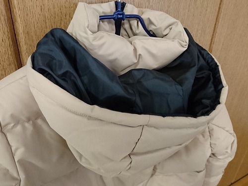 GUの中綿フーデッドコート(ベージュ)