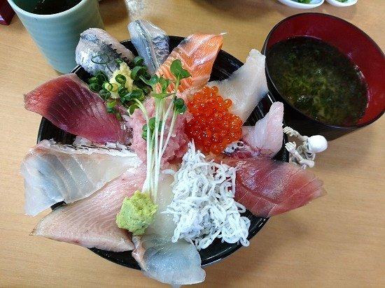 那珂湊おさかな市場 海鮮丸の海鮮丼