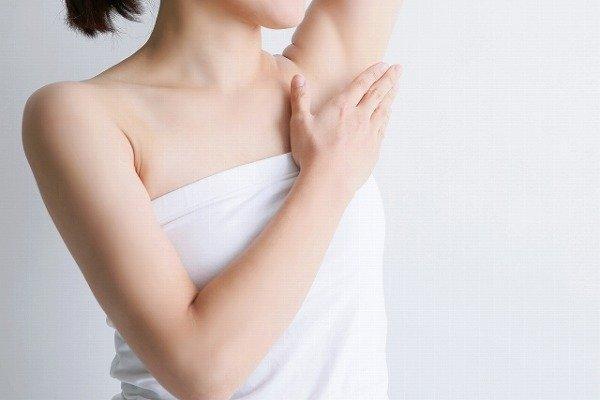 脇汗対策 デトランスα 制汗剤